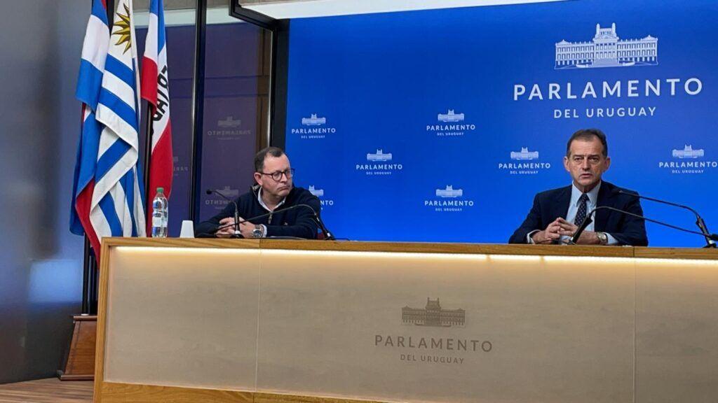 conferencia de prensa cabildo abierto